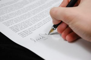 To Sign or Not to Sign a Release After Your Auto Accident in Arizona