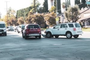 Phoenix, AZ – Two Injured in 3-Vehicle Collision at Thunderbird Rd