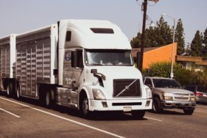 What You Need To Know About Trucking Laws & Accident Claims