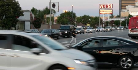 Tempe, AZ - Injuries Reported in Two-Car Wreck on I-10 at 6th Ave
