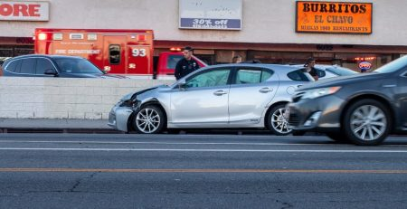2.9 Phoenix, AZ - Rear-End Crash Causes Injuries on SR 51 at McDowell Rd