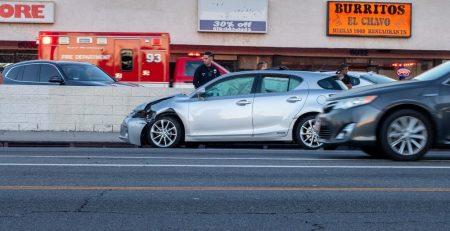 2.9 Phoenix, AZ - Rear-End Crash Causes Injuries on SR 51 at McDowell Rd